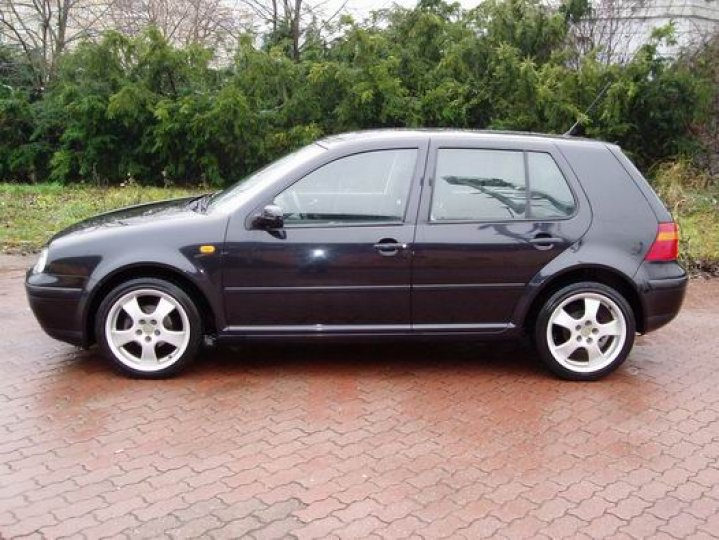 Volkswagen Golf 1.6- 16V - 2