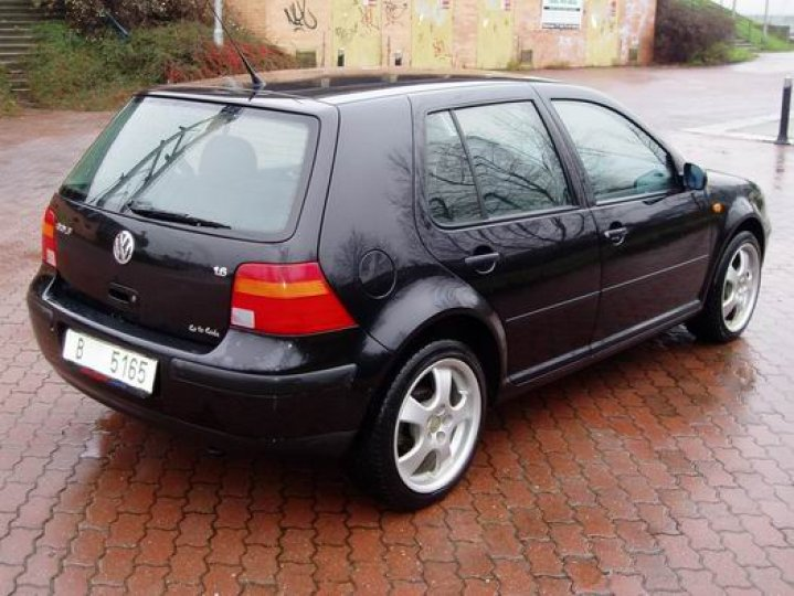 Volkswagen Golf 1.6- 16V - 3