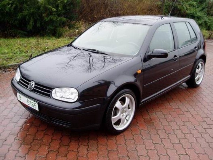 Volkswagen Golf 1.6- 16V - 1
