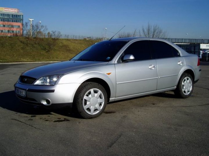 Ford Mondeo 2.0tdci-96kw -GHIA - 1