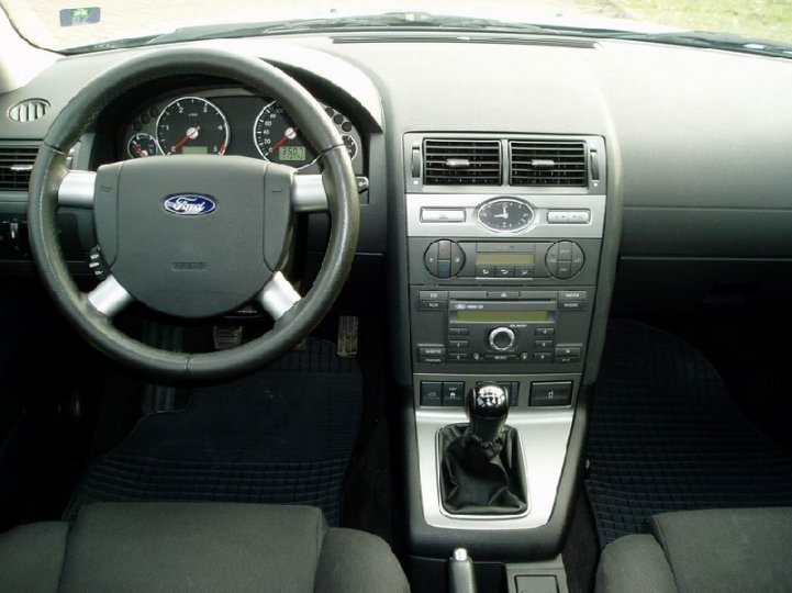 Ford Mondeo 2.0tdci-96kw -GHIA - 4