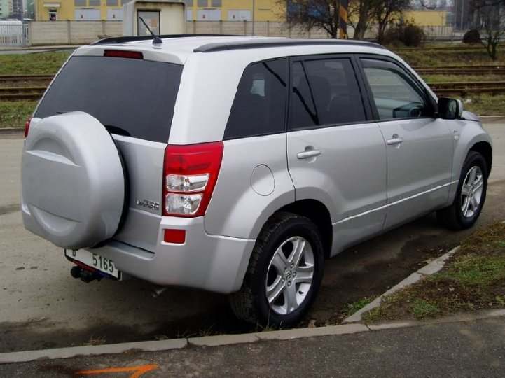 Suzuki Grand Vitara 1.9DiD - 3