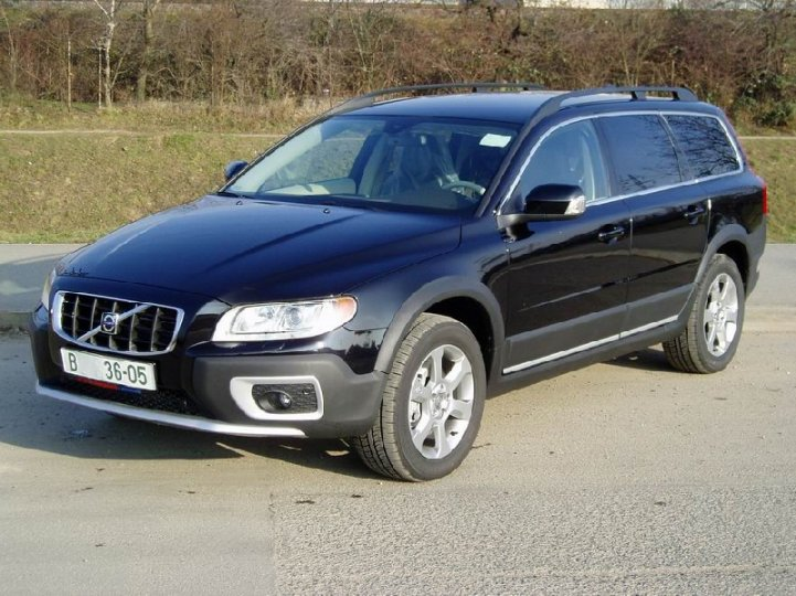 Volvo XC- 70 cross country D5 - 1