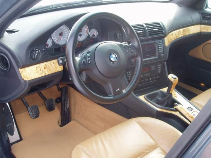 BMW M5-400PS - 3