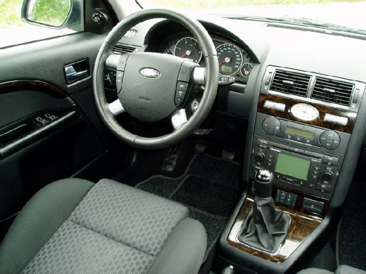 Ford Mondeo 2.0tdci-96kw -GHIA - 5