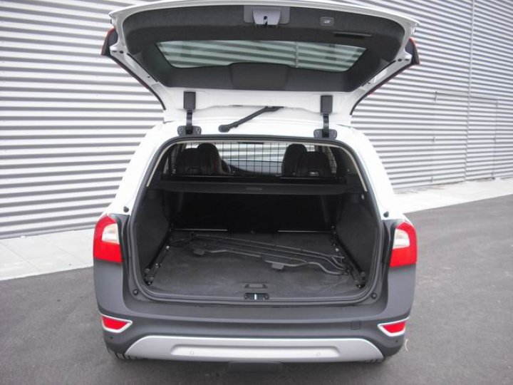 Volkswagen XC- 70 cross country D5 - 4
