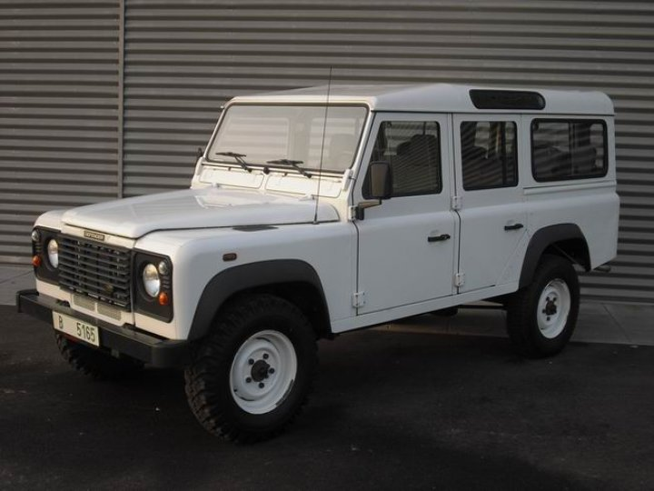 Land Rover Defender 110 wagon - 1