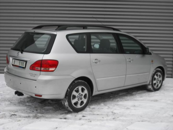 Toyota Avensis 2.0 D4-D Verso - 3