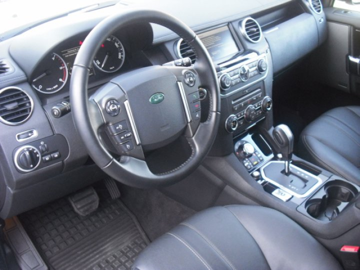 Land Rover Discovery 4 - 4