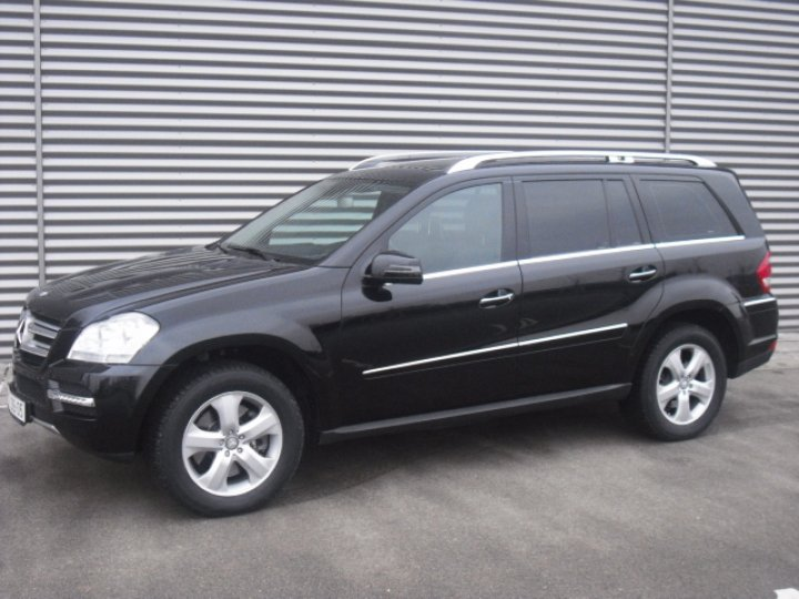 Mercedes Benz GL 500 4Matic - 1