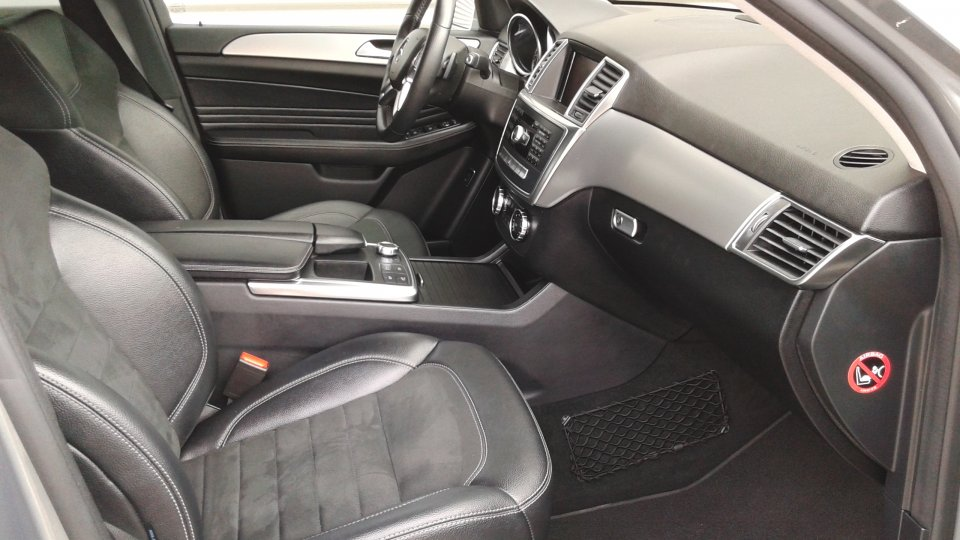 Mercedes Benz ML 350 bluetec 4matic - 4