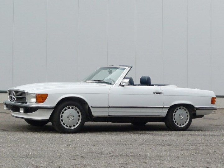 Mercedes Benz 300 SL W107 - 1
