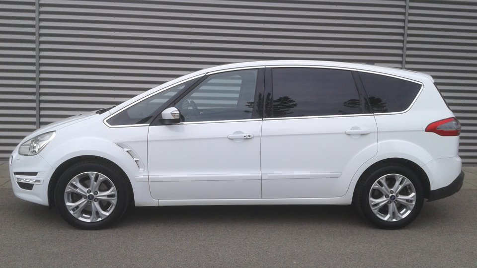 Ford S-MAX  2.2tdci  200ps  TITANIUM  7míst   PANORAMA - 2