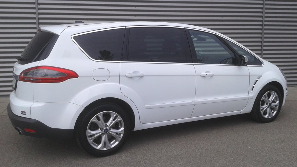 Ford S-MAX  2.2tdci  200ps  TITANIUM  7míst   PANORAMA - 3