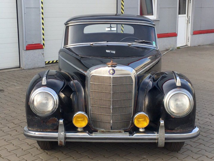 Mercedes Benz 300 S coupe - 4