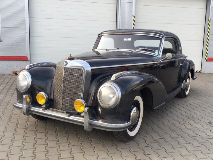 Mercedes Benz 300 S coupe - 1