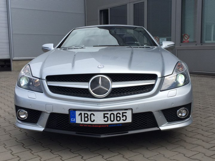 Mercedes Benz SL 65 AMG SPEEDSHIFT - 1