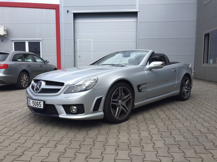 Mercedes Benz SL 65 AMG SPEEDSHIFT - 2