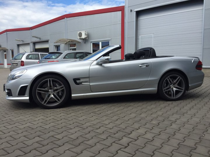 Mercedes Benz SL 65 AMG SPEEDSHIFT - 3